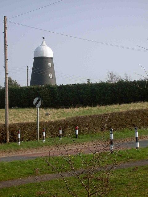 Disused windmill near Everton
