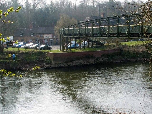 Boat Inn and Memorial Bridge