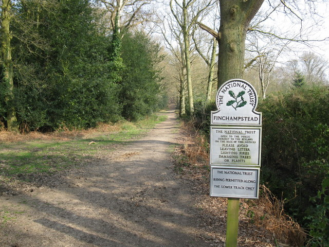 Path at Finchampstead