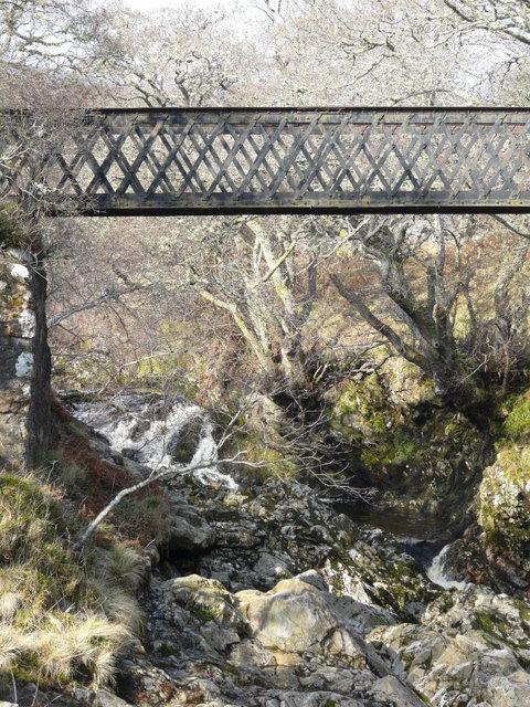 Iron  footbridge over Berriedale Water