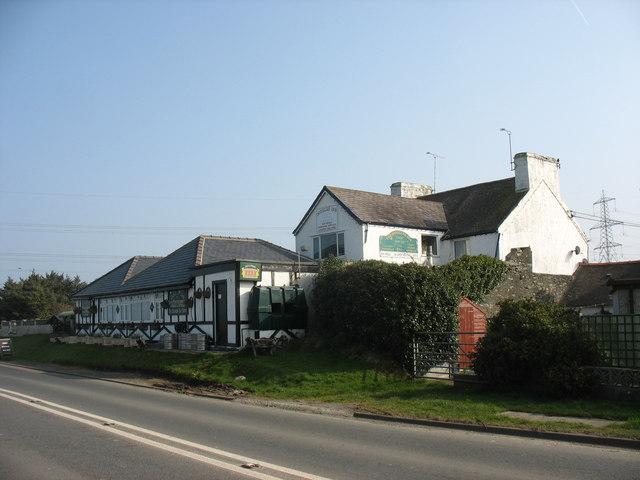 The Douglas Inn, Tregele