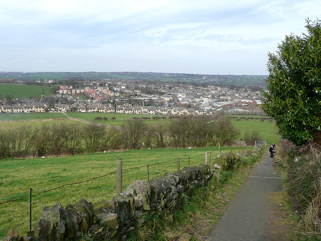 Surfaced footpath, Heights, Liversedge