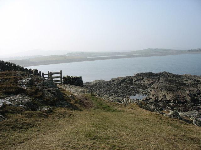 Cliff top kissing gate above Trwyn Pencarreg