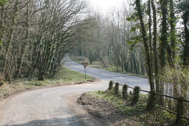 Minor road meets the A424