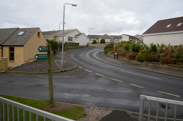 Approaching North Loch Road at its junction with Turfbeg Road from the Footpath / Cycle Track leading to Forfar Leisure Centre