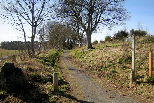 Beginning of Footpath leading from Kings Road, Forfar to Blindwell