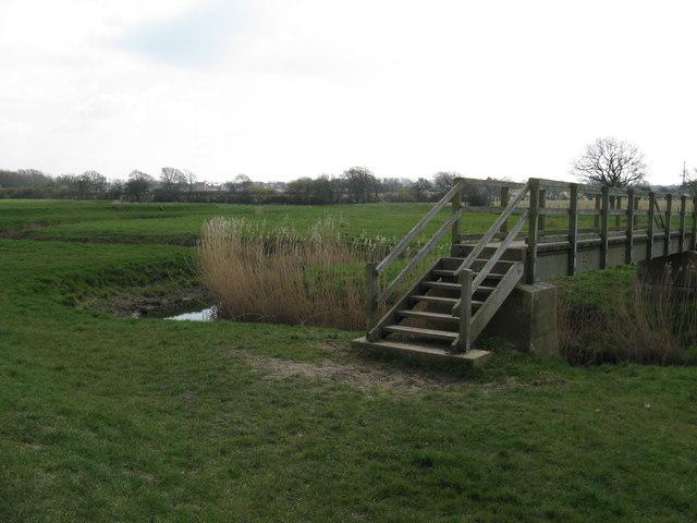 Footbridge over tributary of River Adur