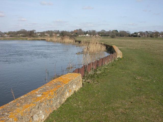 Burton, river bank defences