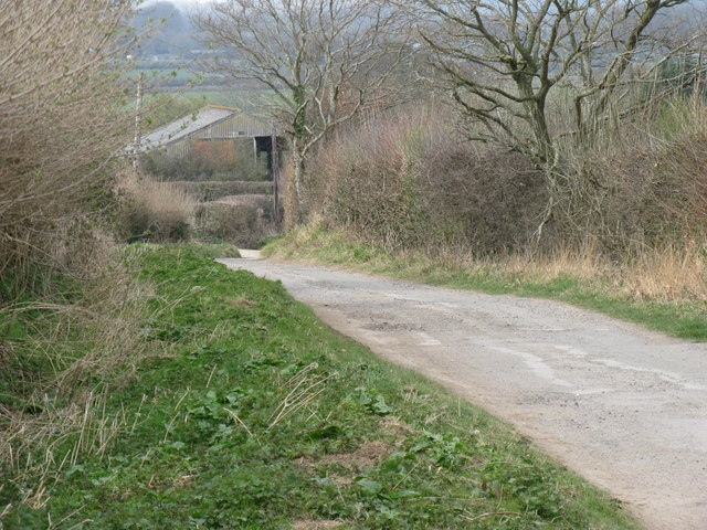 Track down hill to Blundens Farm