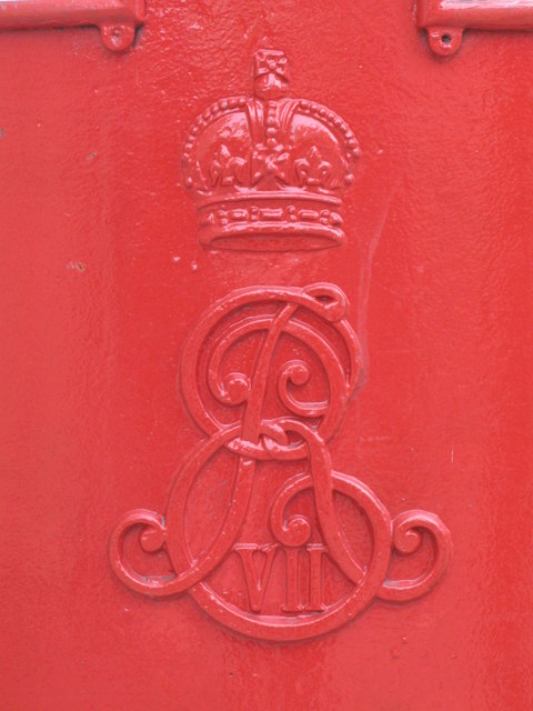 Edward VII postbox, Judd Street /  Bidborough Street, WC1 - royal cipher