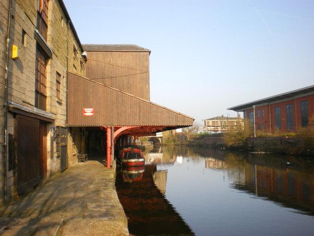 Eanam Wharf, canal side