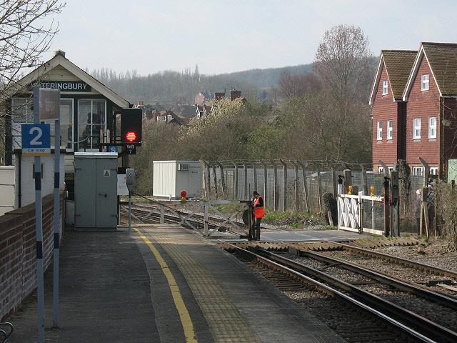 Level crossing gates, Bow Hill, Wateringbury