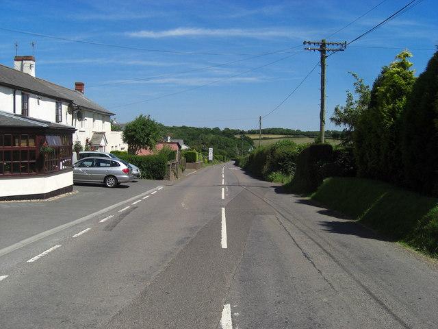 Nomansland : B3137 Road to Tiverton