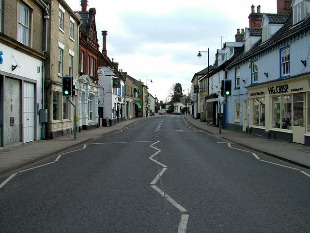 Saxmundham High Street looking south