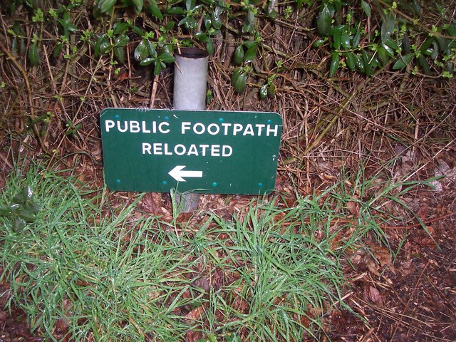Public footpath misspelling looks unprofessional
