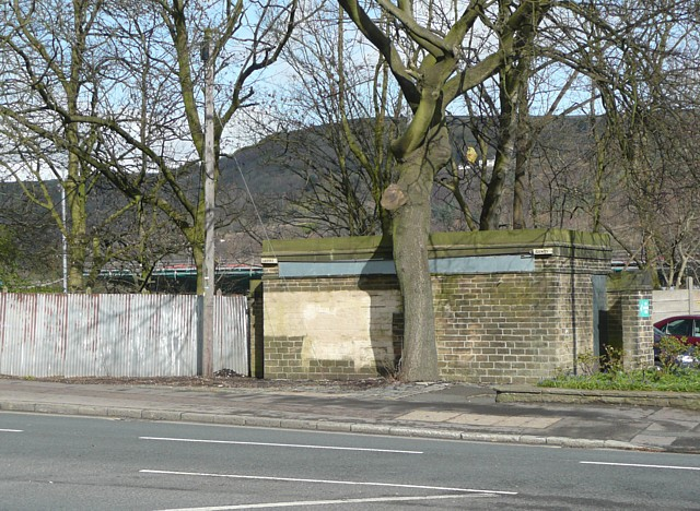 Former public convenience, Skircoat Road, Halifax