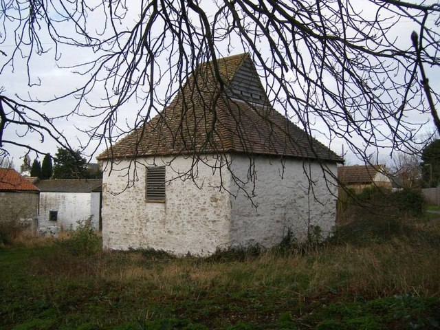 Crowlands Farm dovecote