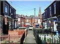 TA0728 : Derwent Avenue, Hull : Week 13