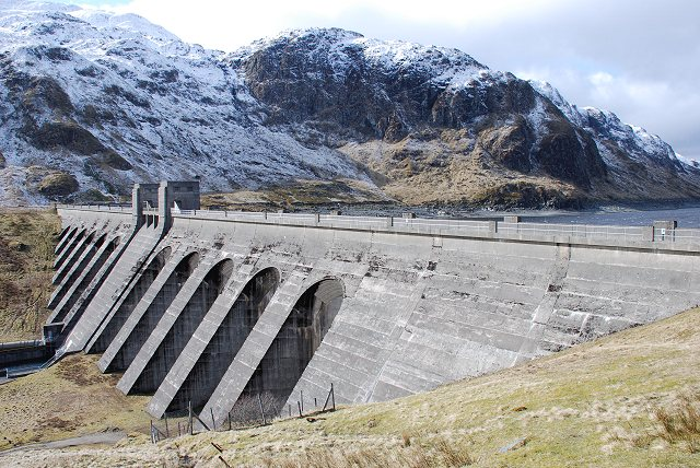 Lawers Dam 169 Patrick Mackie Cc By Sa 2 0 Geograph