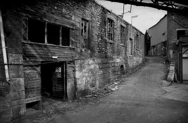 creams paper mill  u00a9 tom jeffs    geograph britain and ireland