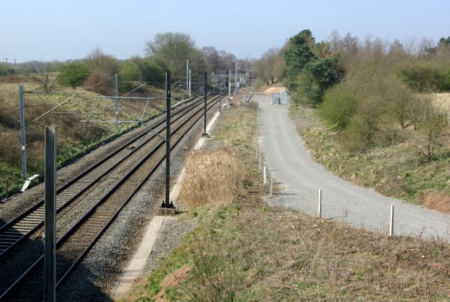 The railway line towards Coventry from the Brandon Lane bridge