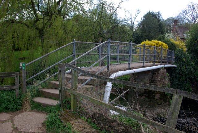 Footbridge over the river Sowe