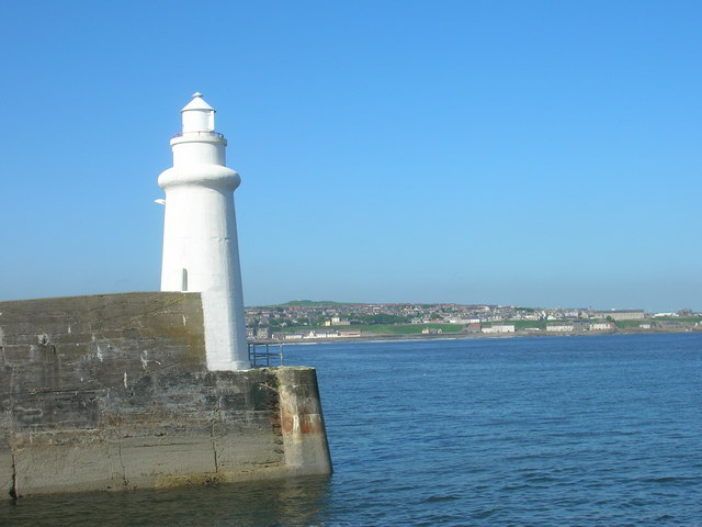 Lighthouse, Macduff Harbour