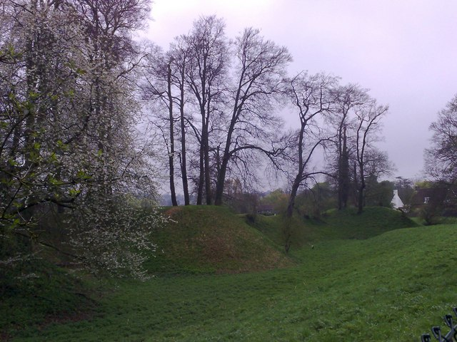 Defensive earthworks, Berkhamsted Castle