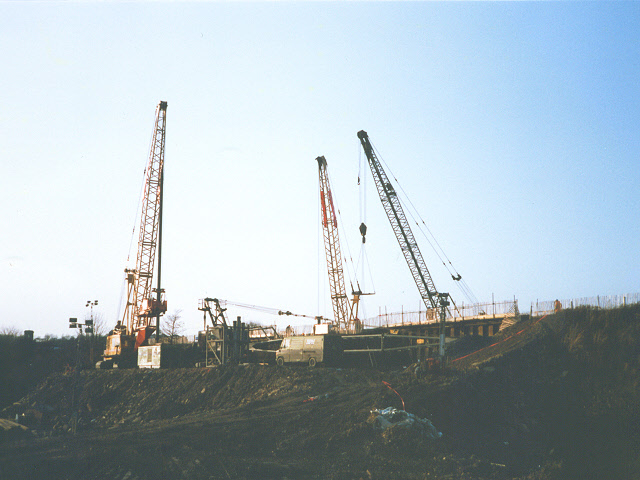 Construction of Lowfields Bridge