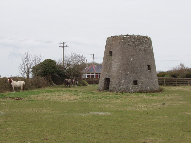 Ruined windmill near Kilmore Quay