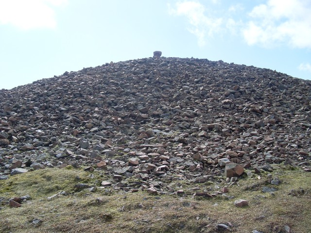 Summit cairn, Tinto Hill
