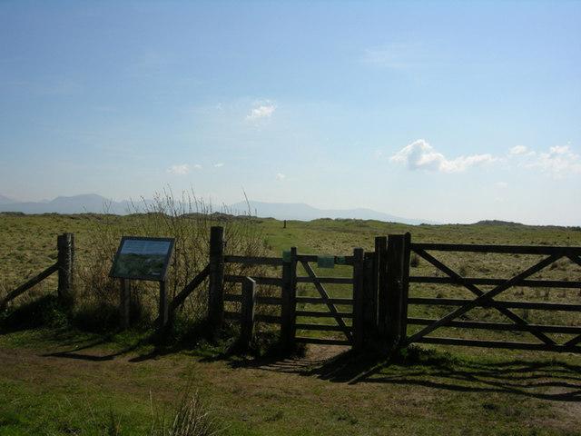 Gateway to dunes