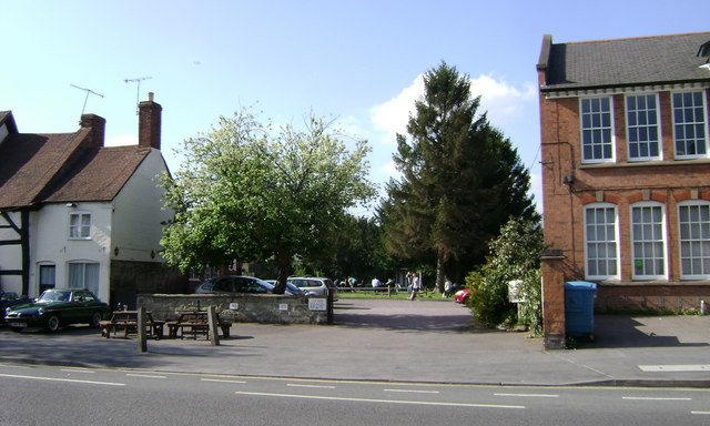 Garden of the Millwright Arms, Coten End, Warwick