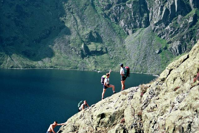 Scrambling above Llyn Cau