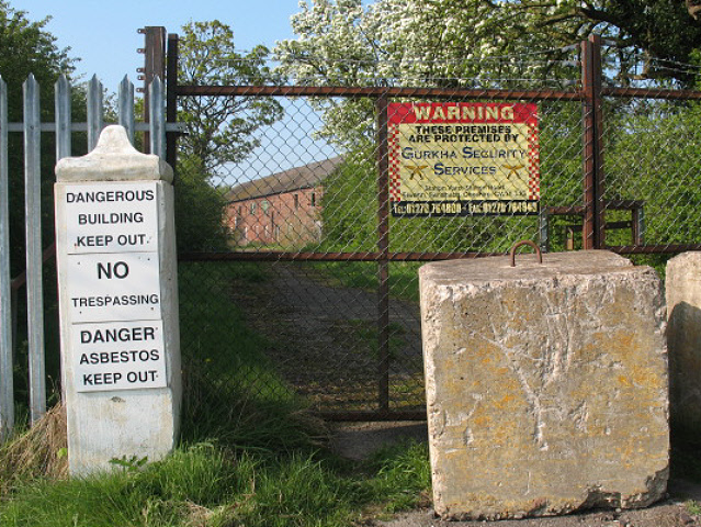 Warning at entrance to Cledford Hall