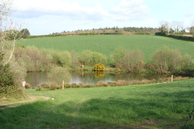 Private fishing pond ruth sharville cc by sa 2 0 for Private fishing ponds near me