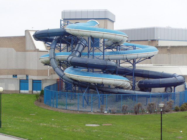 Swimming Pool Flumes Ewen Rennie Cc By Sa 2 0 Geograph Britain And Ireland