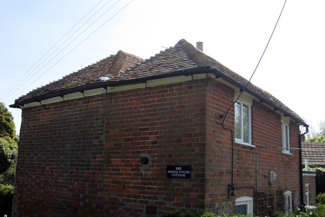 Double Hipped Roof, Herne Pound Cottage