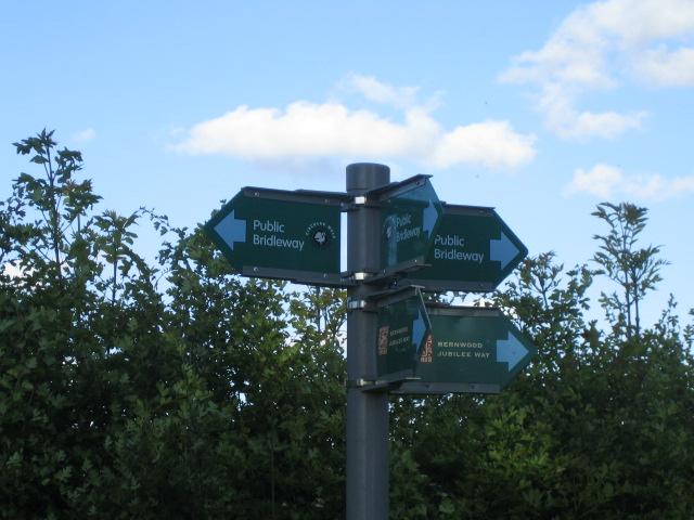 Signpost, Three Points Lane