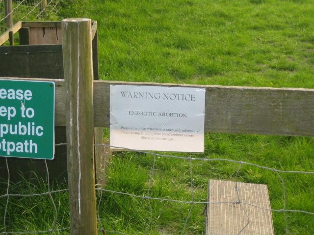 Warning notice near Spring Hill, Grendon Underwood