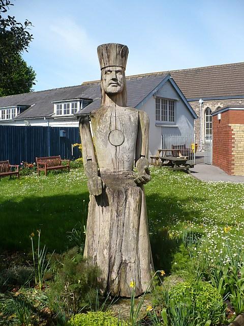 Wood carving of king arthur caerleon robin drayton cc