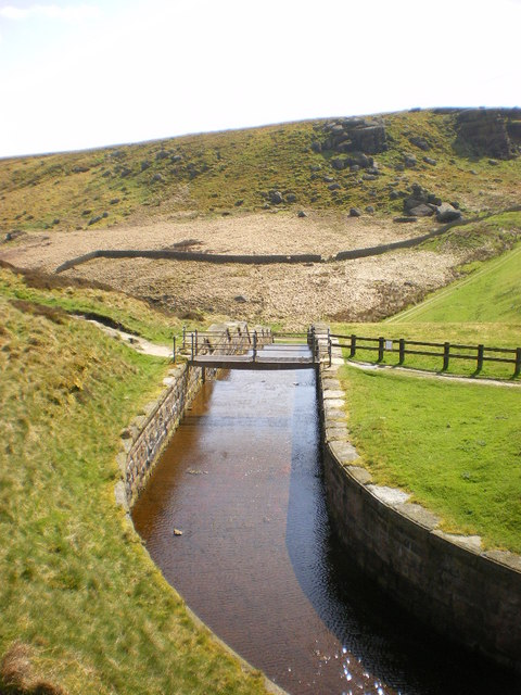 Widdop Reservoir, Overflow