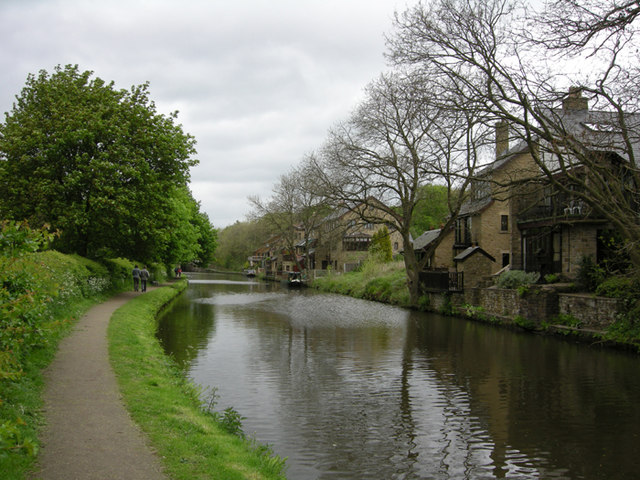 Leeds Liverpool Canal at Whittle Spring