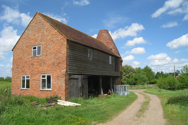 Unconverted oast house at place farm oast house for The headcorn minimalist house kent