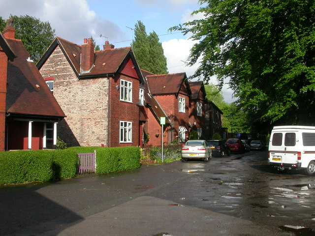 Longford Park, cottages