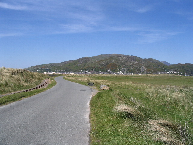Road and railway, Fairbourne