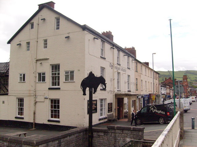 The Elephant And Castle Hotel Newtown Powys