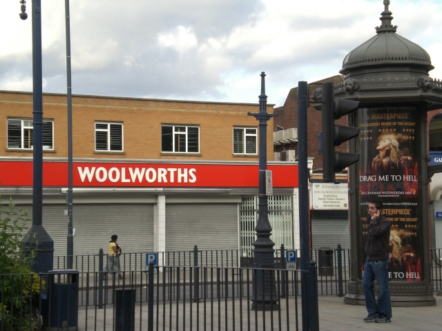 Woolworths, High Road N12