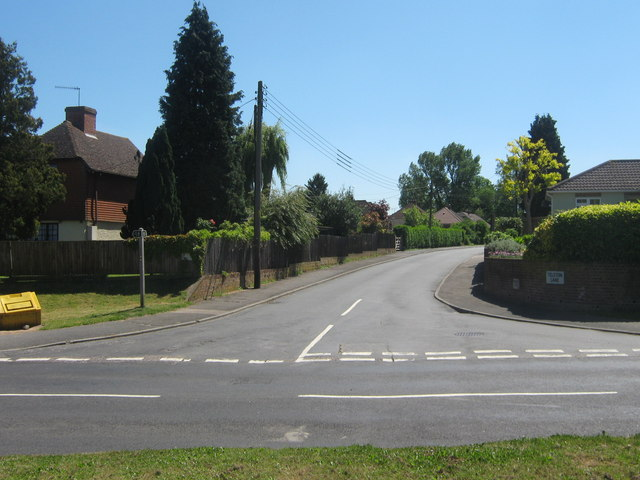 Road junction on Pilgrims Road West