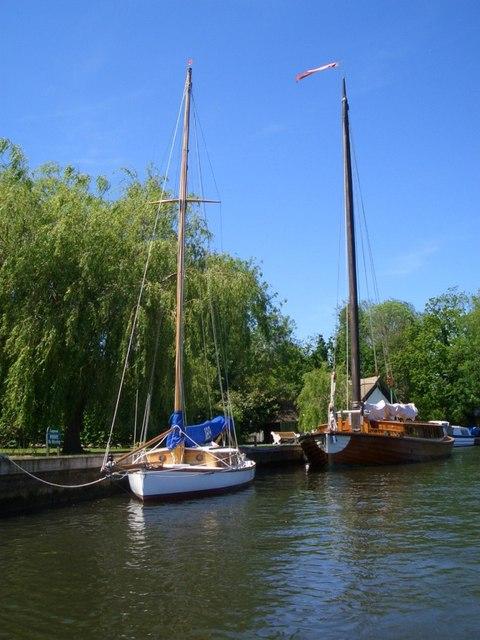 Ardea and a classic yacht